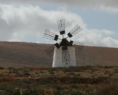 2014-02-07_1100__12373A Windmill at Llanos de la Conception, Fuerteventura